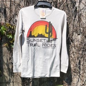 NWT Original Cowgirl Company Sunset Trail Thermal